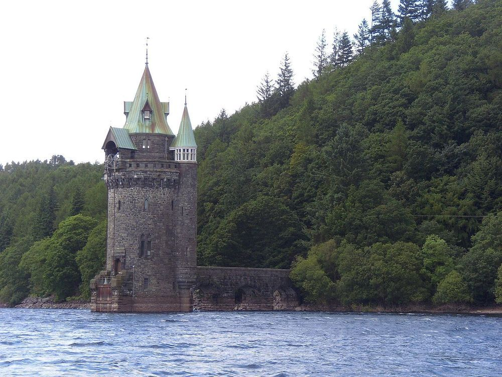 Vyrnwy_tower.JPG